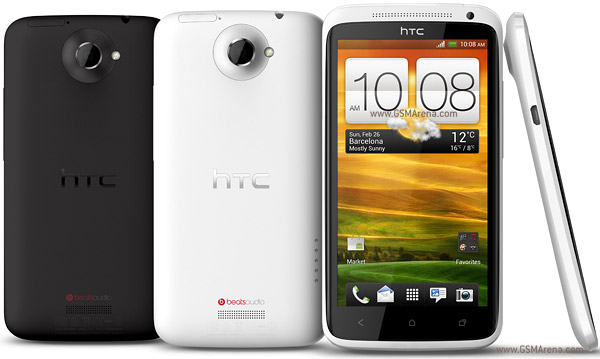 harga dan spesifikasi HTC One X, smartphone android ICS Quad core, kelebihan dan kekurangan HTC One X, gambar dan foto detail HTC One x saat dipegang